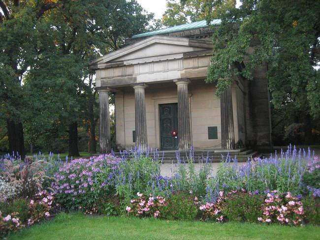 Idyllische Plätze im Berggarten Bild: N. Warth